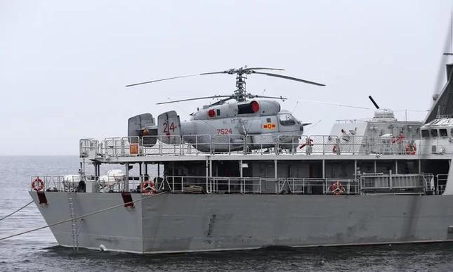 Tàu hộ vệ Việt Nam trong lần đầu duyệt binh hải quân tại Nga ảnh 3
