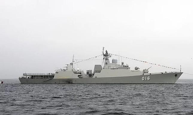 Tàu hộ vệ Việt Nam trong lần đầu duyệt binh hải quân tại Nga ảnh 4