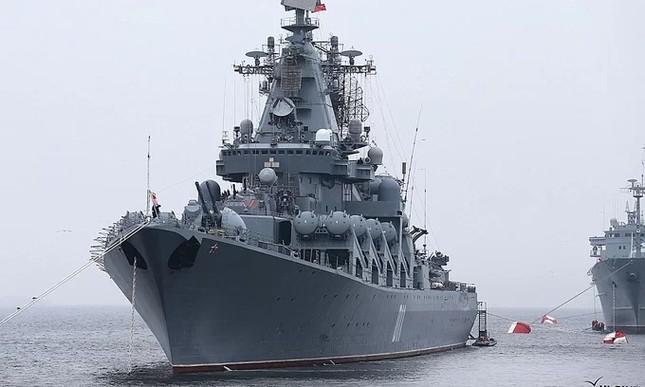 Tàu hộ vệ Việt Nam trong lần đầu duyệt binh hải quân tại Nga ảnh 7