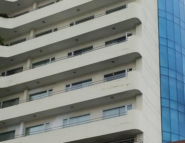 Phó phòng Kế toán ĐH Sư phạm Kỹ thuật Vinh rơi từ tầng 8 khách sạn ảnh 1