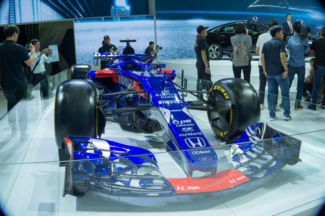 'Mục kích' hai chiếc xe đua F1 tại triển lãm VMS 2019 ảnh 6