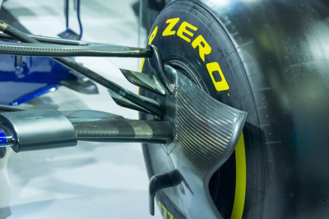 'Mục kích' hai chiếc xe đua F1 tại triển lãm VMS 2019 ảnh 9