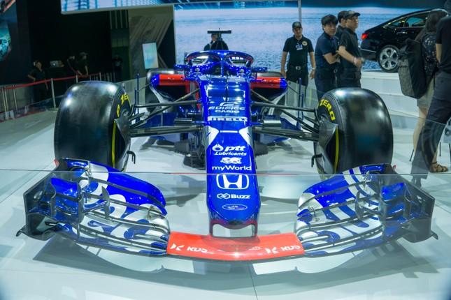 'Mục kích' hai chiếc xe đua F1 tại triển lãm VMS 2019 ảnh 7