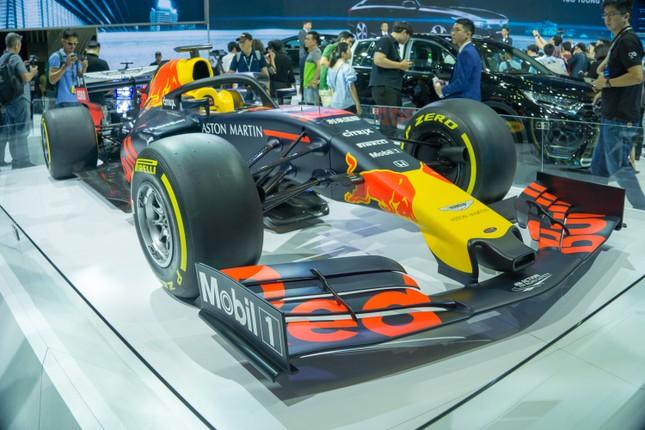 'Mục kích' hai chiếc xe đua F1 tại triển lãm VMS 2019 ảnh 1