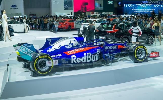 'Mục kích' hai chiếc xe đua F1 tại triển lãm VMS 2019 ảnh 8