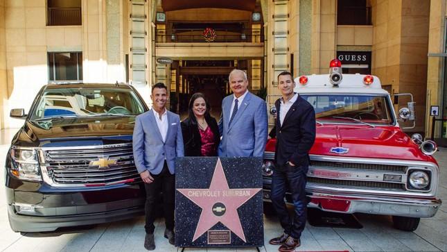 'Đại lộ danh vọng' Hollywood lần đầu tiên có ngôi sao cho một mẫu ôtô ảnh 1