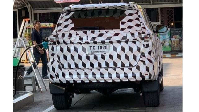 Toyota Fortuner mới lộ ảnh chạy thử tại Thái Lan ảnh 1