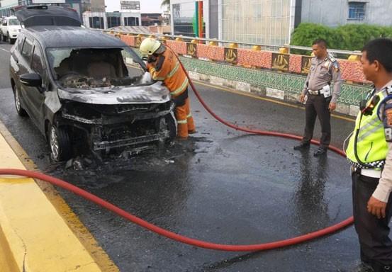 Mitsubishi Xpander từng bốc cháy ở Indonesia ảnh 1