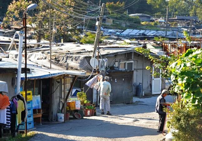Khu ổ chuột quay 'Ký sinh trùng' từng khiến thế giới sốc về Hàn Quốc ảnh 2
