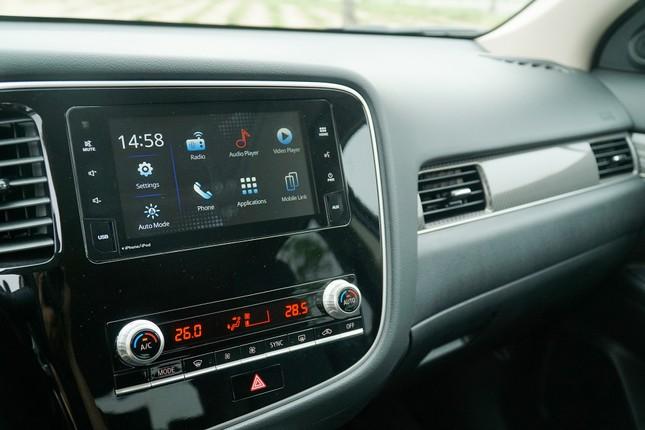 Đánh giá ưu và nhược điểm của Mitsubishi Outlander 2020 ảnh 5