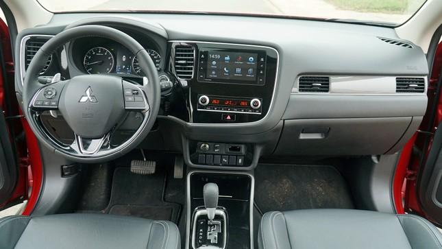 Đánh giá ưu và nhược điểm của Mitsubishi Outlander 2020 ảnh 4