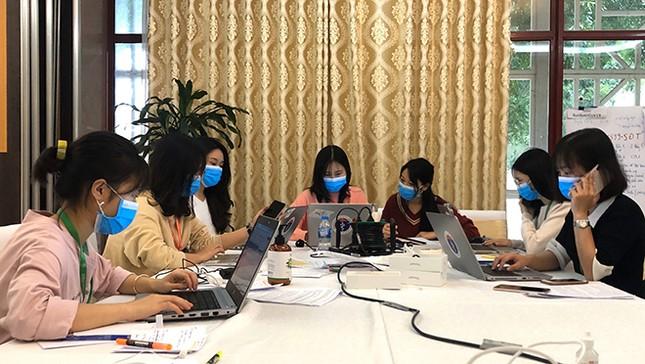 Dòng tin nhắn gửi mẹ của nữ sinh Y khoa tham gia chống dịch ảnh 3