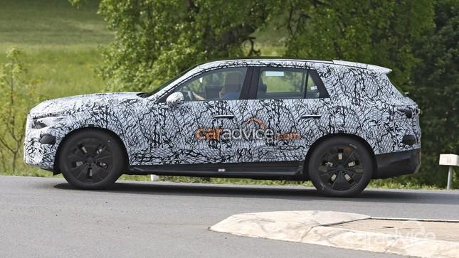 Mercedes-Benz GLC thế hệ mới rò rỉ ảnh chạy thử đầu tiên ảnh 2