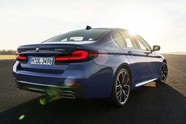 BMW Series 5 2021 xuất hiện chính thức với nhiều nâng cấp nhỏ ảnh 2