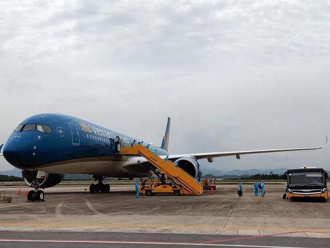 Sân bay Vân Đồn đón chuyến bay đầu tiên chở 150 chuyên gia từ Nhật Bản ảnh 1