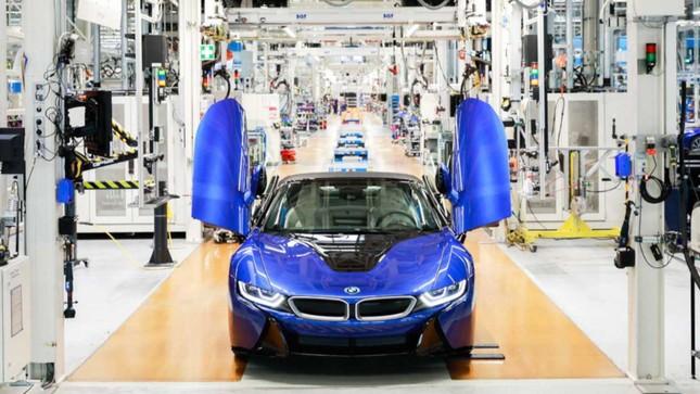18 chiếc BMW i8 cuối cùng được phối màu 'độc nhất vô nhị' ảnh 2