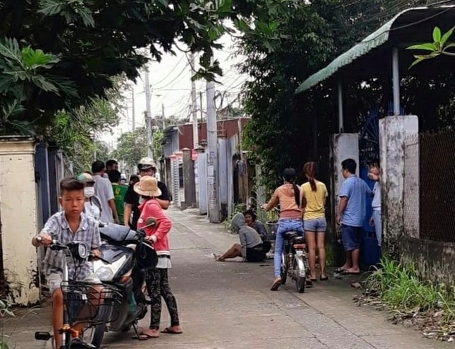Cô gái bị cướp xe máy, kéo lê hàng chục mét ở Đồng Nai ảnh 1