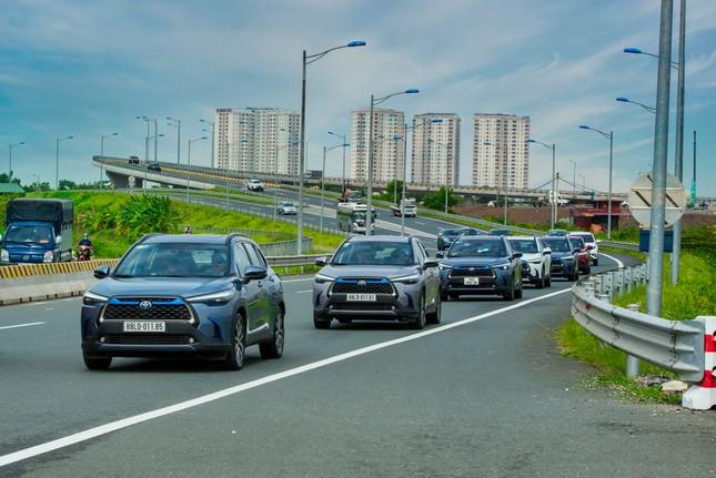 Dàn SUV Toyota 'bung sức' trong hành trình Hà Nội - Quảng Ninh ảnh 1
