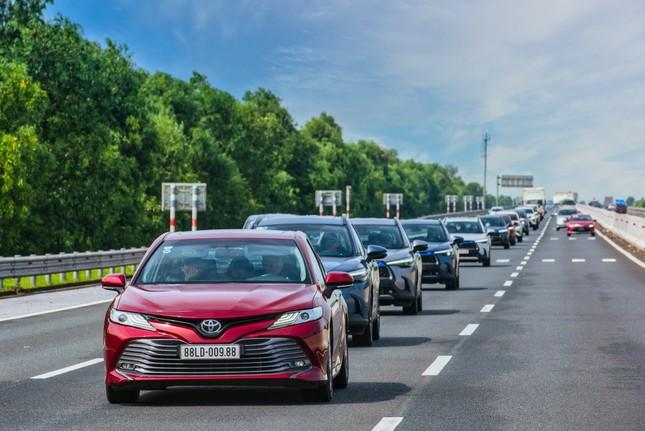 Dàn SUV Toyota 'bung sức' trong hành trình Hà Nội - Quảng Ninh ảnh 10