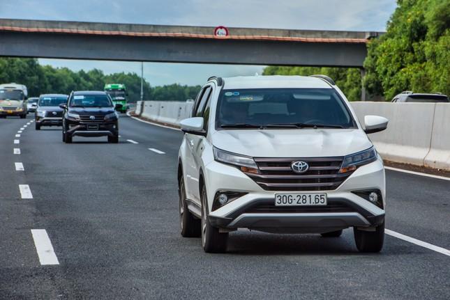 Dàn SUV Toyota 'bung sức' trong hành trình Hà Nội - Quảng Ninh ảnh 7