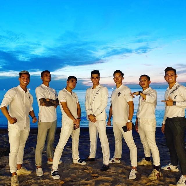 Tiệc báo hỷ của Công Phượng trên bãi biển Phú Quốc ra sao? ảnh 1