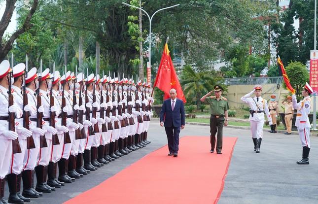 Thủ tướng dự và chỉ đạo Hội nghị Công an toàn quốc ảnh 1