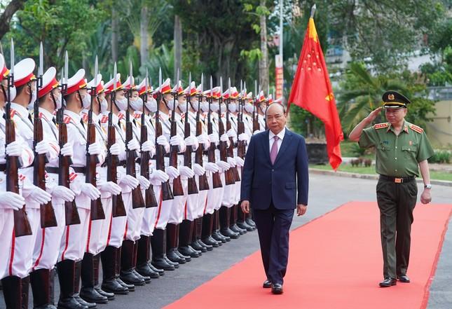 Thủ tướng dự và chỉ đạo Hội nghị Công an toàn quốc ảnh 2
