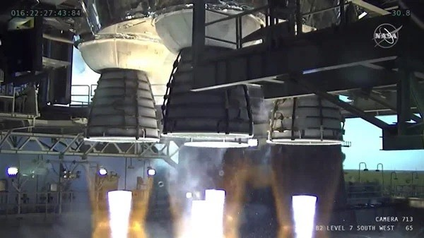 Động cơ 'quái vật' của NASA trình làng thành công: Thế giới có tên lửa đẩy mạnh nhất hành tinh ảnh 1