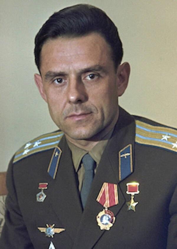 Cái chết thương tâm của nhà du hành Liên Xô rơi từ vũ trụ ảnh 1