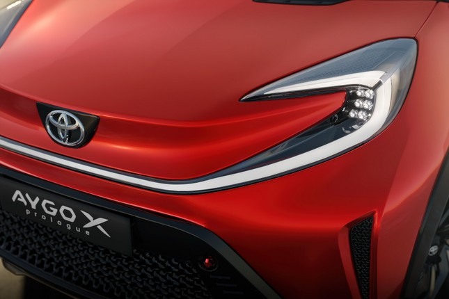 SUV mới của Toyota lộ diện với thiết kế lạ lẫm ảnh 14