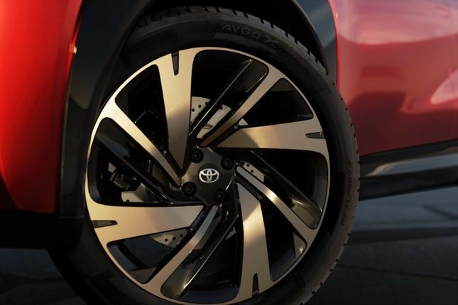 SUV mới của Toyota lộ diện với thiết kế lạ lẫm ảnh 15