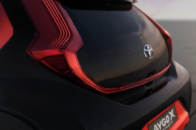 SUV mới của Toyota lộ diện với thiết kế lạ lẫm ảnh 16