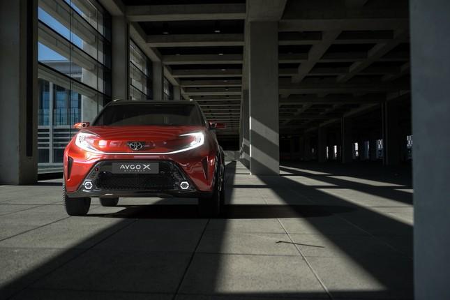 SUV mới của Toyota lộ diện với thiết kế lạ lẫm ảnh 5