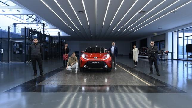 SUV mới của Toyota lộ diện với thiết kế lạ lẫm ảnh 6