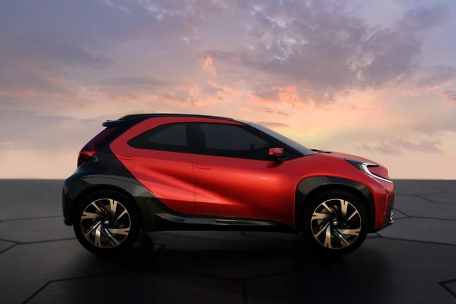 SUV mới của Toyota lộ diện với thiết kế lạ lẫm ảnh 10