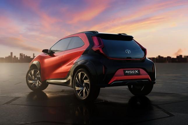 SUV mới của Toyota lộ diện với thiết kế lạ lẫm ảnh 8