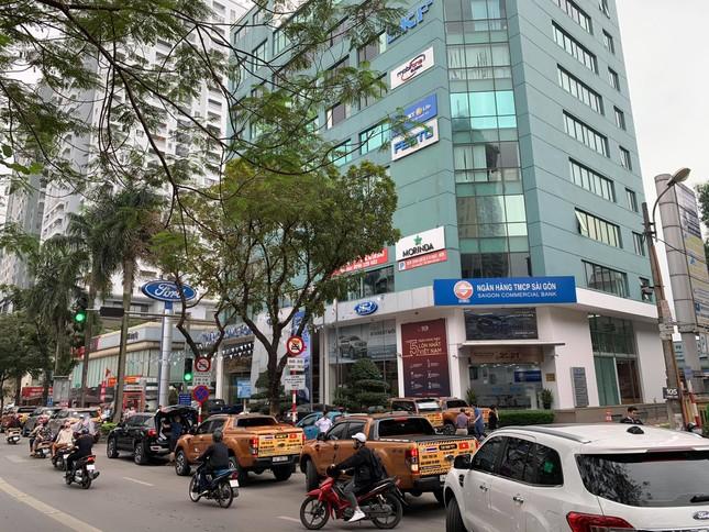 Chủ xe Ford diễu hành đòi quyền lợi ở Hà Nội ảnh 7