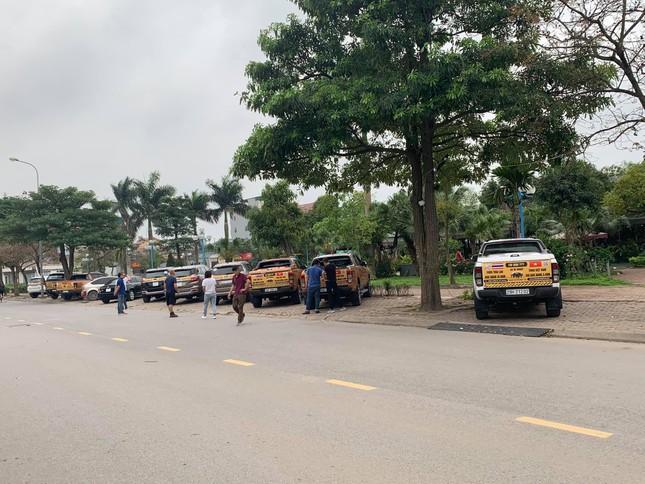 Chủ xe Ford diễu hành đòi quyền lợi ở Hà Nội ảnh 1