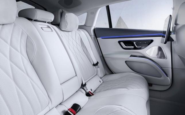 Mercedes-Benz EQS sở hữu màn hình cực khủng ảnh 3