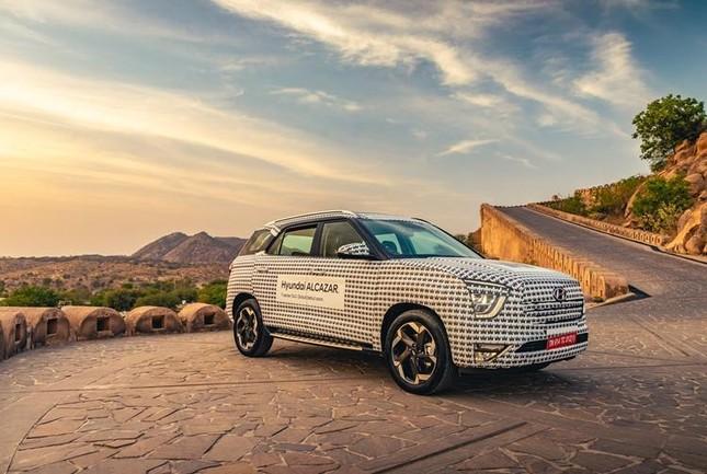 Hyundai Alcazar chính thức lộ diện ảnh 4