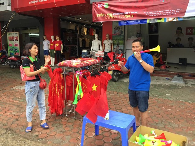 Quê nhà trung vệ Tiến Dũng rực cờ đỏ trước bán kết Việt Nam - Hàn Quốc ảnh 4