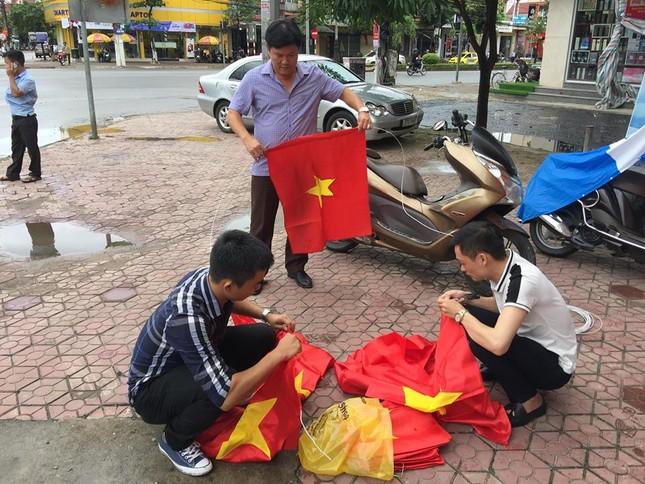 Quê nhà trung vệ Tiến Dũng rực cờ đỏ trước bán kết Việt Nam - Hàn Quốc ảnh 2
