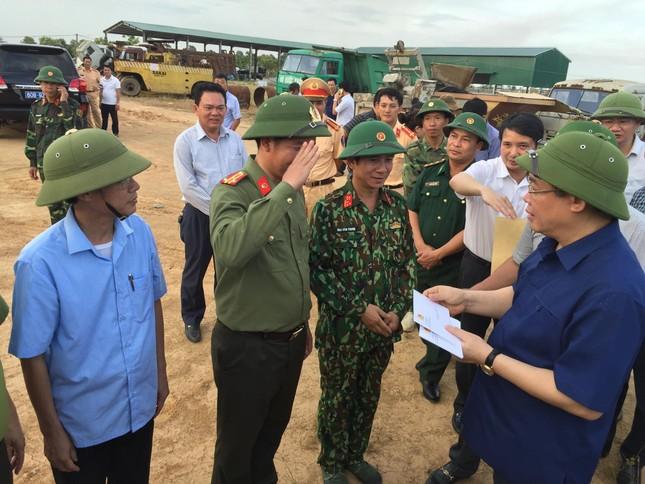 Phó Thủ tướng thị sát hiện trường vụ cháy khủng khiếp ở Hà Tĩnh ảnh 2