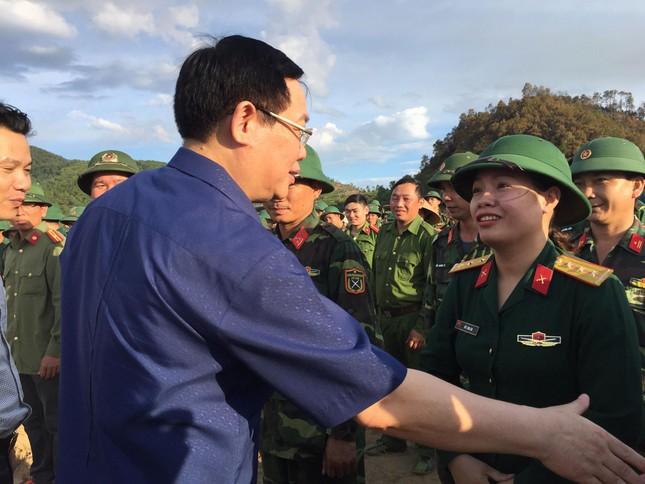 Phó Thủ tướng thị sát hiện trường vụ cháy khủng khiếp ở Hà Tĩnh ảnh 1