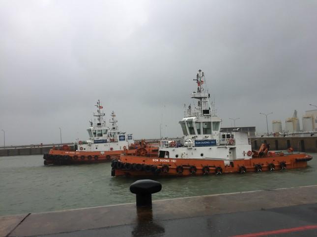 Chìm tàu ở Hà Tĩnh: Nỗ lực tìm kiếm 10 nạn nhân mất tích ảnh 2