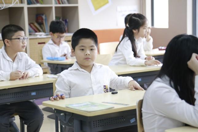 Bài luận của học sinh lớp 3 lọt top 10 bài luận xuất sắc thế giới ảnh 1