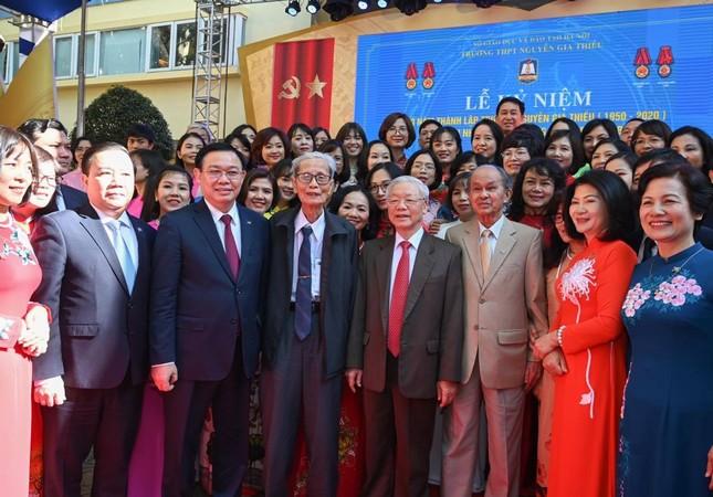 Tổng Bí thư, Chủ tịch nước Nguyễn Phú Trọng về thăm trường cũ ảnh 3