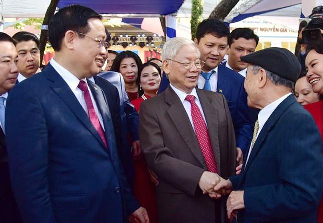 Tổng Bí thư, Chủ tịch nước Nguyễn Phú Trọng về thăm trường cũ ảnh 2