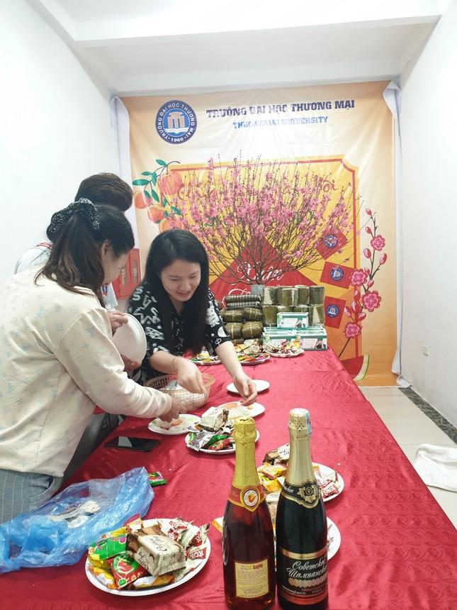 Lưu học sinh quốc tế háo hức ăn tết tại Việt Nam ảnh 5