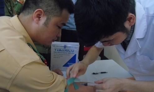 Tuổi trẻ công an tham gia hiến máu nhân đạo ảnh 6